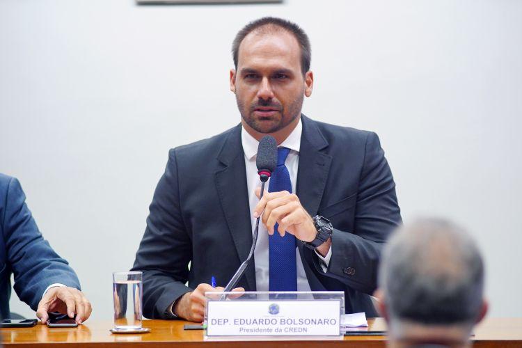Instalação da Comissão e eleição para presidente e vice-presidentes. Presidente, dep. Eduardo Bolsonaro (PSL-SP)