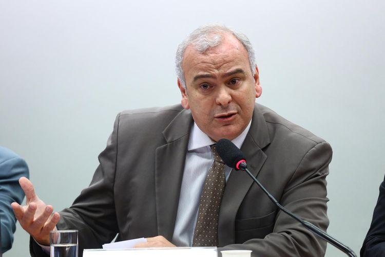 Discussão e votação de pareceres preliminares referentes a processos em desfavor dos deputados João Rodrigues (PSD/SC) e Jean Wyllys (PSOL/RJ). Dep. Júlio Delgado (PSB-MG)