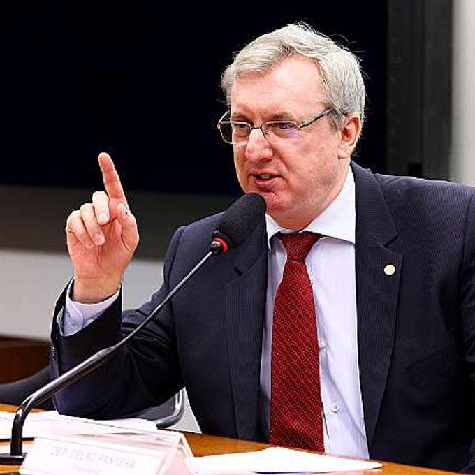 Reunião de instalação da comissão e eleição ordinária para composição da nova mesa. Presidente eleito, dep. Celso Pansera (PMDB-RJ)