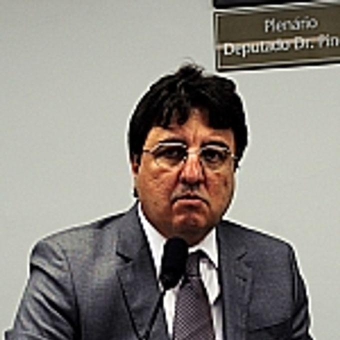 Dep. Danilo Forte (PMDB-CE)