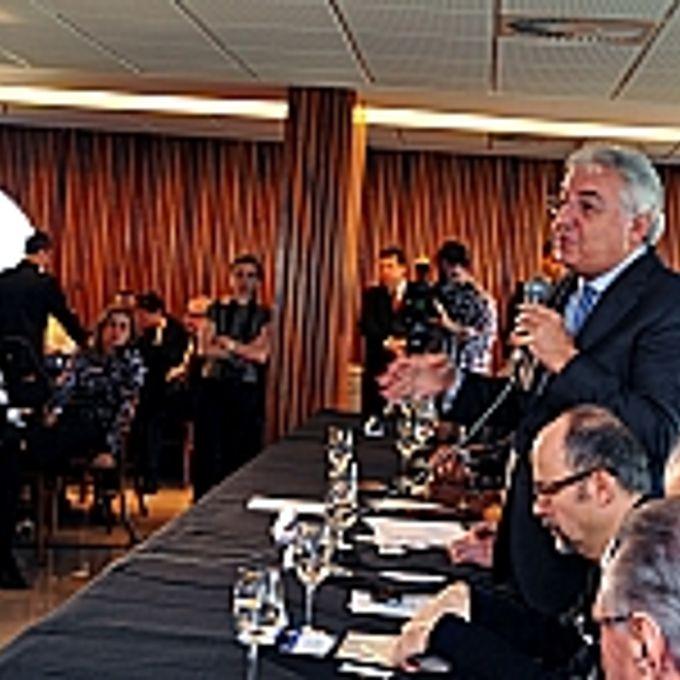 Café da manhã para discutir o Projeto de Lei Complementar 237/2012, que trata da quinta revisão da Lei Geral das MPE. Ministro da Secretaria Nacional da Micro e Pequena Empresa, Afif Domingos