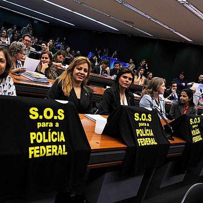 Audiência pública sobre o PLP 275/01, que trata da aposentadoria da mulher policial