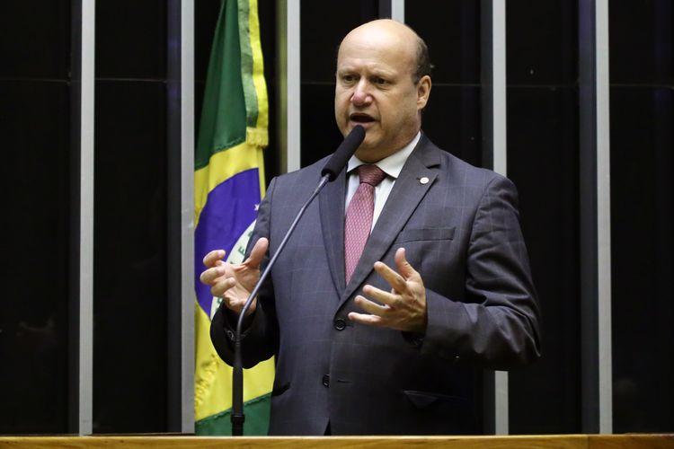 Sessão extraordinária para discussão de diversos projetos. Dep. Célio Silveira (PSDB - GO)
