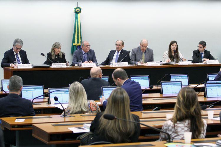 Audiência pública para discussão da projeção anual para o exercício de 2019 de despesas de capital e receitas de operações de crédito