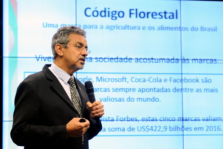 Audiência pública para debater os 5 anos de aprovação do Código Florestal - Lei 12.651/2012 e sua aplicação. Presidente da EMBRAPA, Maurício Antônio Lopes