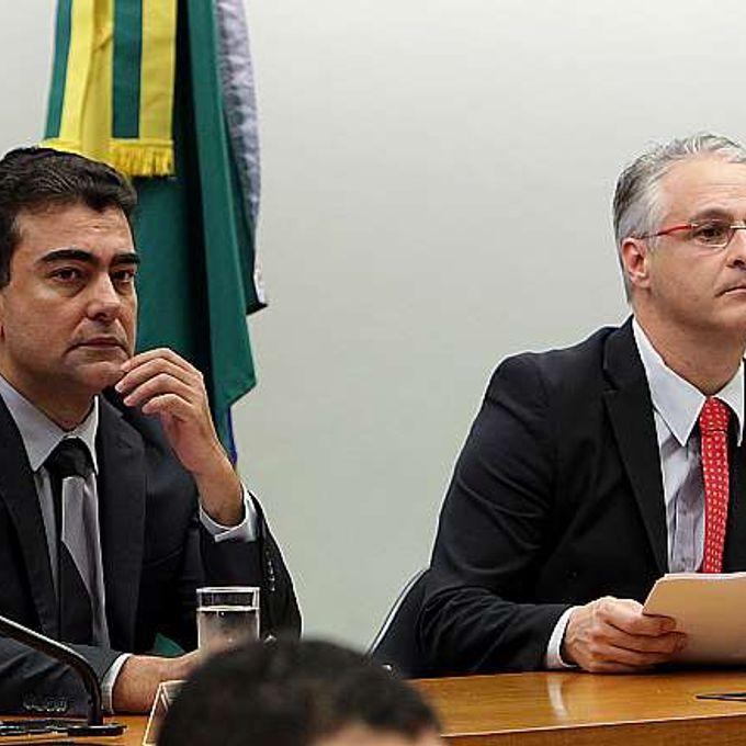 Reunião Ordinária. Deputados (E) Marçal Filho (PMDB-MS) e Alexandre Roso (PSB-RS)