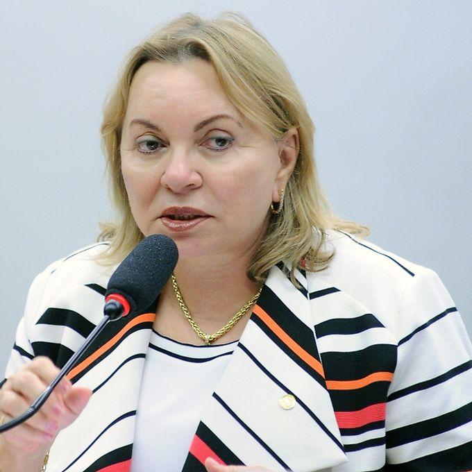 Audiência pública para discutir o Trabalho Intermitente. Dep. Gorete Pereira (PR - CE)