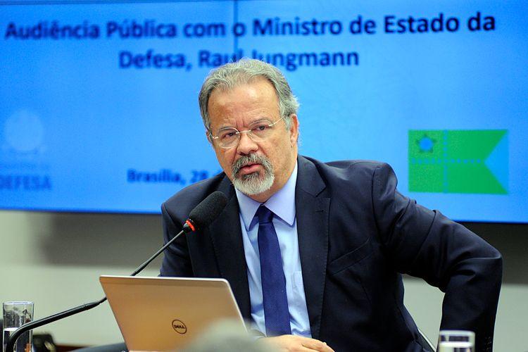 Audiência pública das comissões de Relações Exteriores e de Defesa Nacional (CREDN), de Integração Nacional, Desenvolvimento Regional e da Amazônia (CINDRA), de Seguridade Social e Família (CSSF), de Segurança Pública e Combate ao Crime Organizado (CSPCCO), e de Trabalho, de Administração e Serviço Público (CTASP) para apresentação das prioridades e diretrizes da política de defesa nacional. Ministro da Defesa, Raul Jungmann