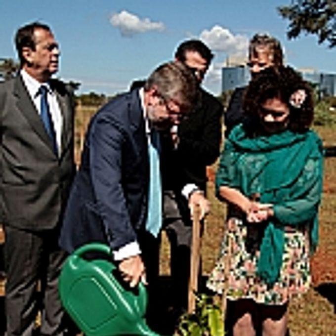 Inauguração do Arboreto das Nações RIO+20 Bosque dos Constituintes.presidente Marco Maia, dep. Perpétua Almeida (PCdoB-AC)