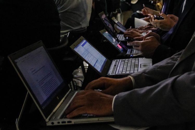 Comunicação - jornalismo - imprensa jornalistas coberturas informação tempo real coletiva