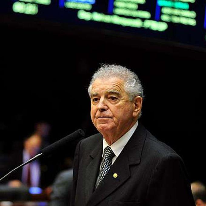 Análise do Projeto de Lei 5943/13 (apensado ao PL 4246/12), sobre a reformulação da lei de descanso dos caminhoneiros. Dep. Nelson Marquezelli (PTB-SP)