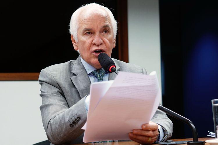 Reunião de constituição da Frente e aprovação do estatuto. Dep. Gilberto Nascimento (PSC - SP)