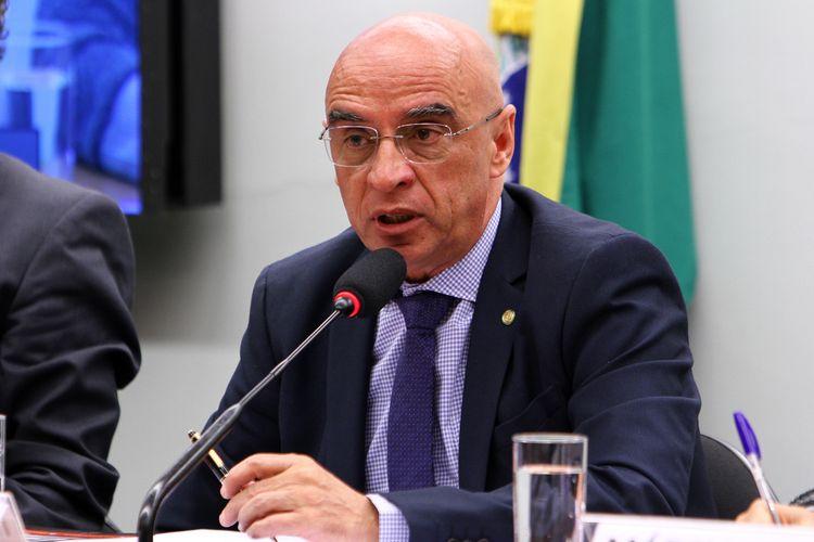 Audiência pública sobre a situação da febre amarela e da malária no País. Dep. Mário Heringer (PDT-MG)