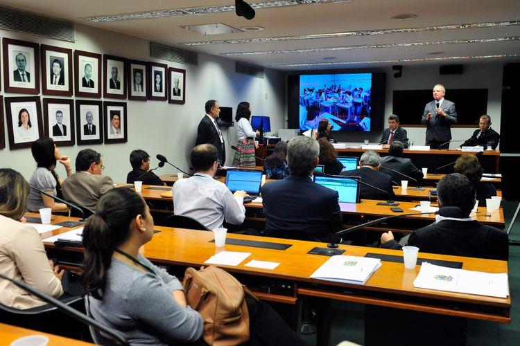 Audiência pública  para tratar da violência no trânsito e suas consequências para a população brasileira