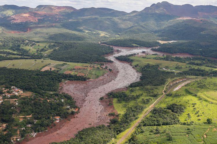 Cidades - catástrofes - Rompimento barragem rejeitos mineração Brumadinho-MG 25/01/19 meio ambiente desastres