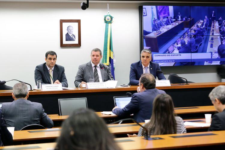 Audiência pública para debater a situação dos alojamentos das categorias de base dos Centros de Treinamentos do país