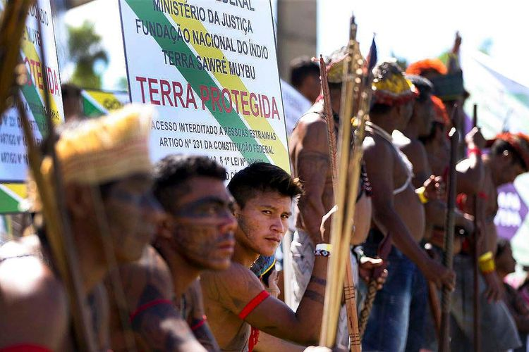 Direitos Humanos - índio - terras indígenas protestos manifestações questão agrária