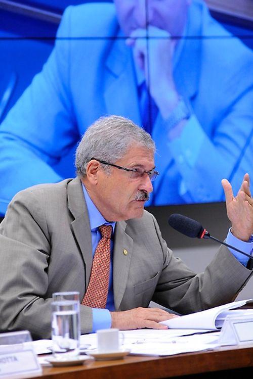 Reunião para votação do relatório final, apresentado pelo dep. José Rocha (PR-BA)