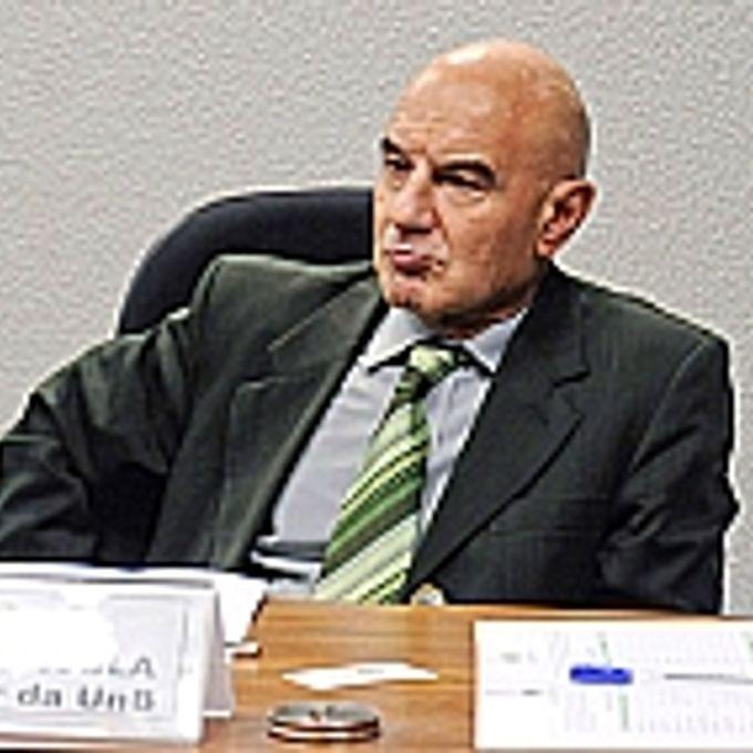 Especialista em clima e professor da UnB, Eduardo Viola.