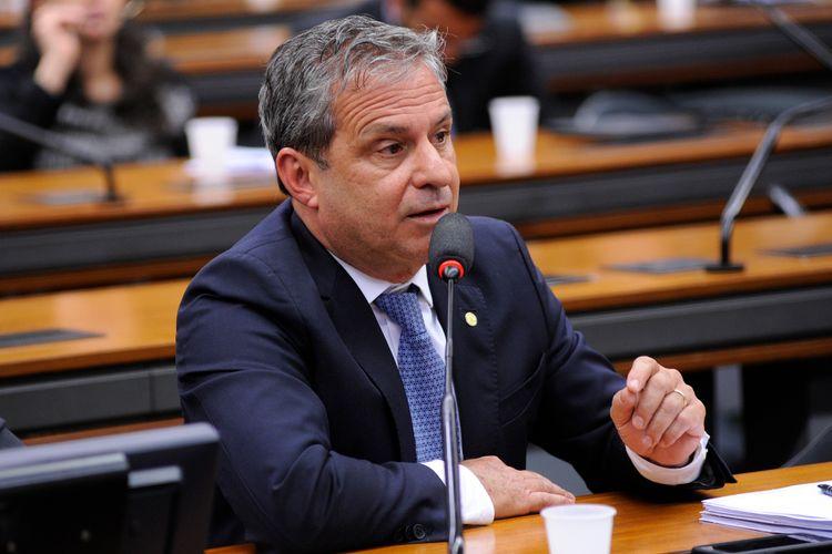 Audiência pública sobre a PEC 470/05, que extingue o benefício do foro privilegiado para deputado federal e senador. Dep. Tadeu Alencar (PSB-PE)