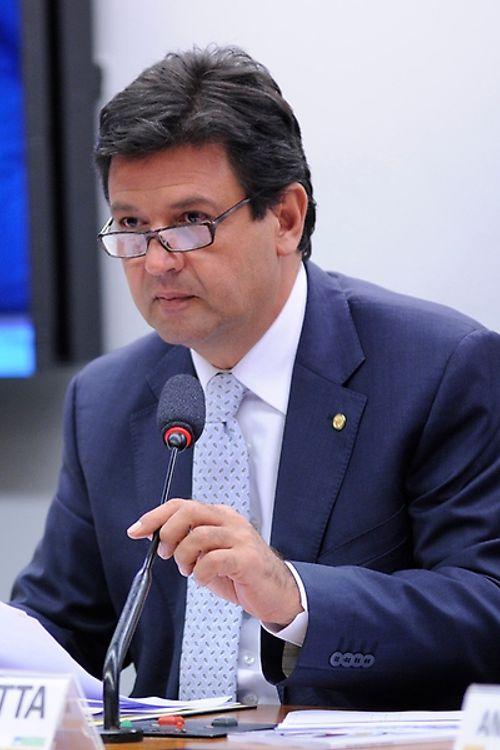 Audiência Pública sobre A hemodiálise no Brasil e a situação dos pacientes renais crônicos. Dep. Mandetta(DEM - MS)