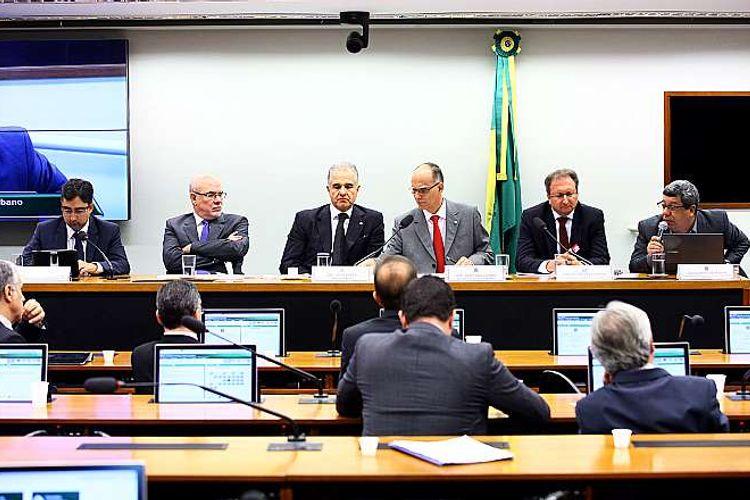 Audiência pública  sobre as questões pertinentes à Universalização do Saneamento Básico, no âmbito da SubÁgua