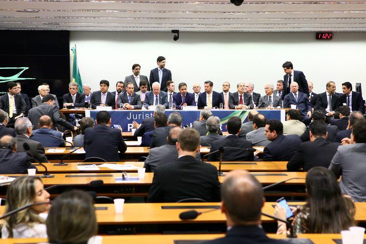Parlamentares da oposição realizam manifesto pela legalidade do impeachment da presidenta Dilma Rousseff