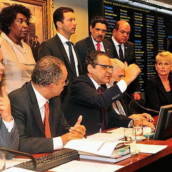 Presidente da Câmara, dep. Henrique Eduardo Alves (PMDB-RN) participa de reunião ordinária