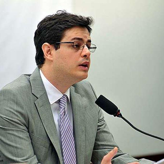 Audiência pública. Gerente de Relações Governamentais do Facebook, Bruno Magrani