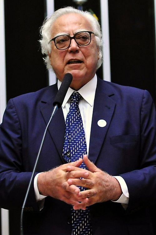Sessão extraordinária para eleição do novo presidente da Câmara dos Deputados. Candidato a presidência, dep. Miro Teixeira (REDE - RJ)