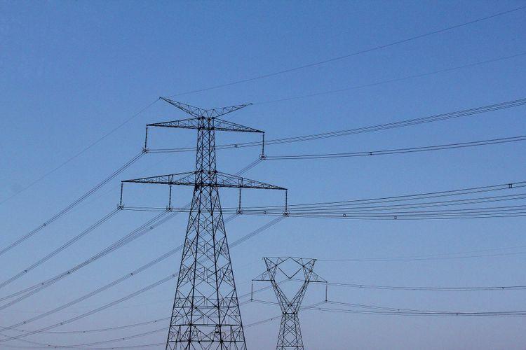 Energia - elétrica - distribuidoras cabos transmissão torres de energia concessionárias