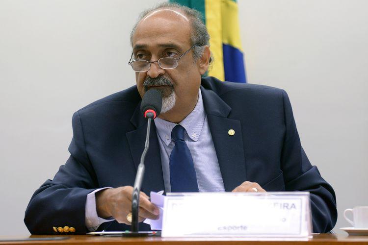 Audiência pública para debater a atual situação da Confederação Brasileira de Taekwondo e da Confederação Brasileira de Tiro Esportivo. Dep. Ezequiel Teixeira (PTN - RJ)