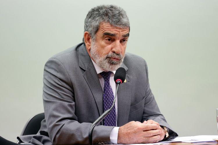 Reunião extraordinária para continuação da discussão e votação do parecer oferecido pelo Relator, dep. Laerte Bessa (PR-DF)
