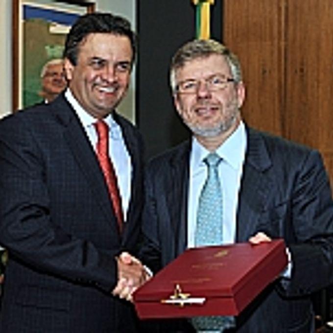 Presidente Marco Maia recebe o Senador Aécio Neves
