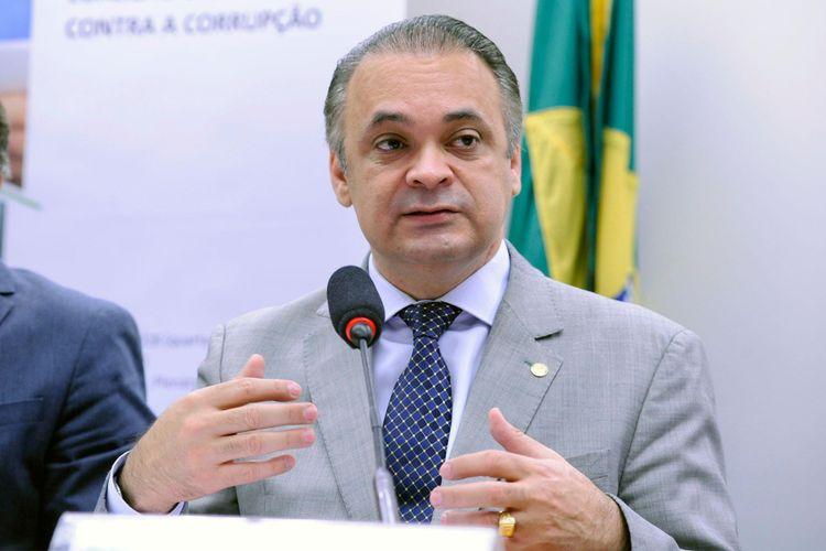 Audiência pública sobre o novo pacote de medidas anticorrupção apresentado pela Transparência Internacional Brasil. Dep. Roberto de Lucena (PODE - SP)