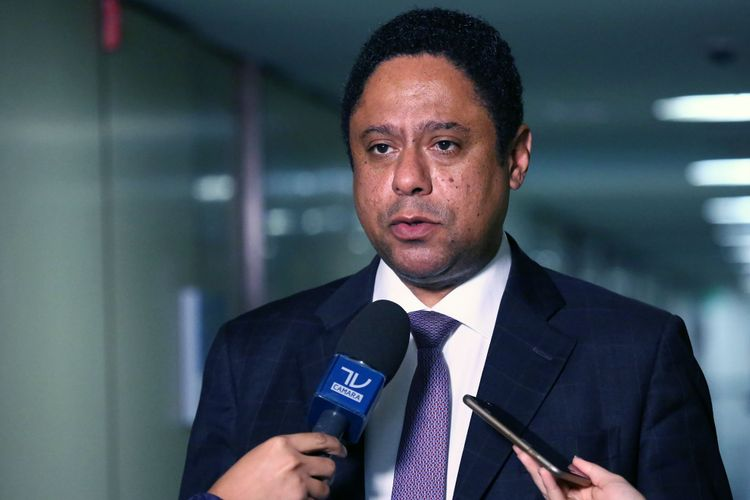 Dep. Orlando Silva (PCdoB - SP) concede entrevista