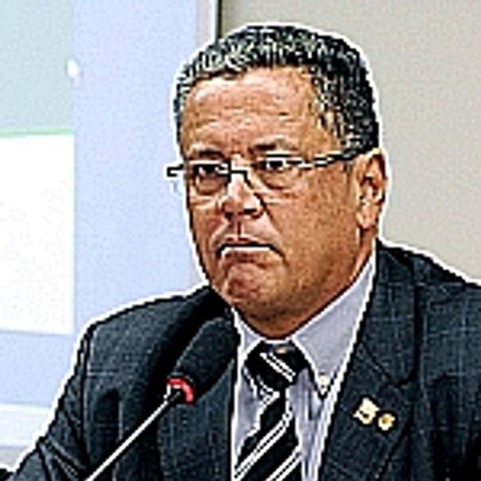 Dr. Paulo César
