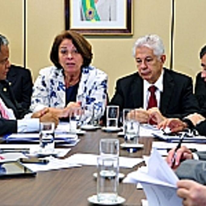 Ministra da Secretaria de Relações Institucionais da Presidência da República, Ideli Salvatti participa de reunião da Liderança do Governo com base aliada