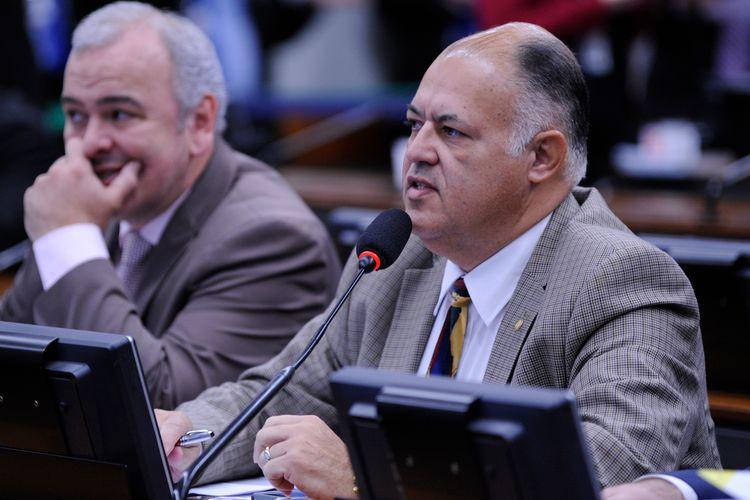 Reunião para discussão do parecer do relator da denúncia contra o presidente da República, Michel Temer. Dep. pastor Eurico (PHS-PE)
