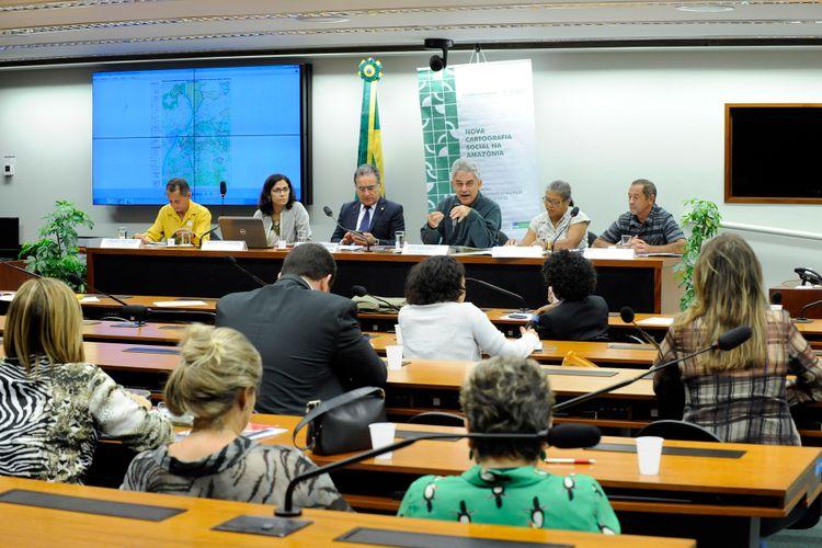 Audiência pública sobre a nova cartografia social na Amazônia