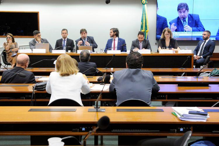 Audiência pública para debater sobre a situação atual dos mecanismos governamentais e institucionais de combate ao trabalho análogo ao de escravo