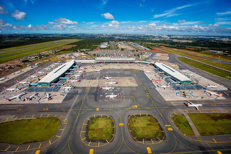Transporte - aviação - aeroporto de Brasília
