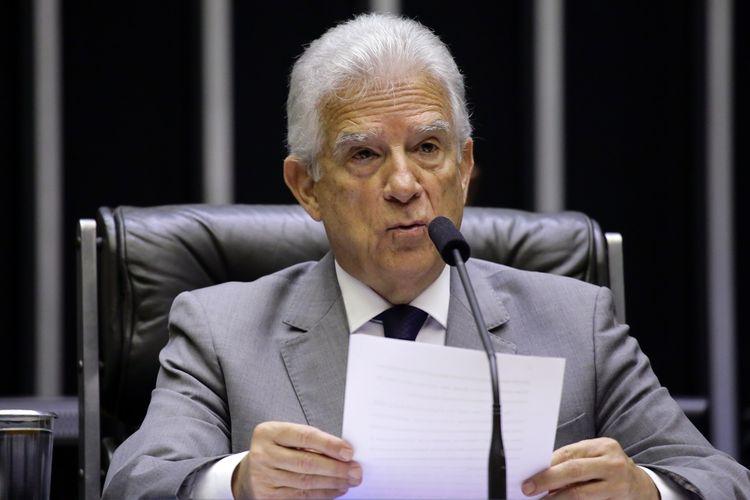 Homenagem aos cinquenta anos do Jornal Tribuna do Interior, de Campo Mourão, Paraná. Dep. Rubens Bueno( PPS - PR)
