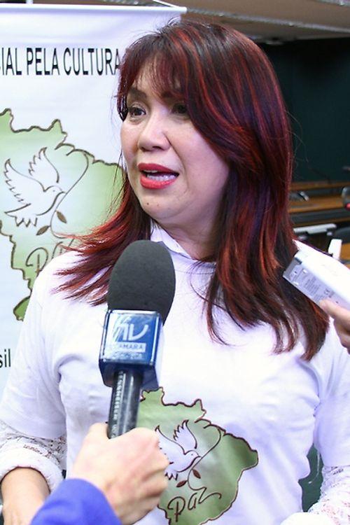 Dep. Keiko Ota (PSB - SP) concede entrevista