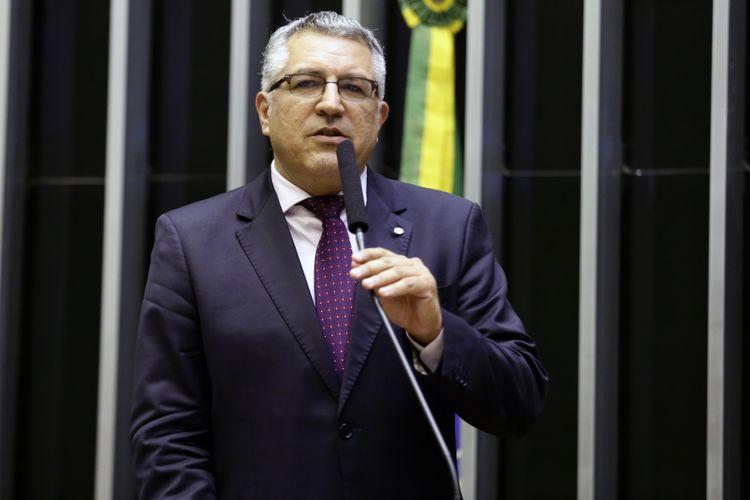 Ordem do dia para discussão e votação de diversos projetos. Dep. Alexandre Padilha (PT - SP)