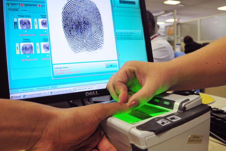 Direito e Justiça - geral - identificação identidade registro civil