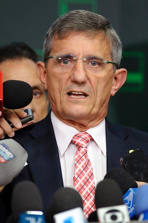 Dep. Darcísio Perondi (PMDB - RS), fala sobre a anulação da sessão de votação do impeachment da presidente Dilma Rousseff na Câmara dos Deputados