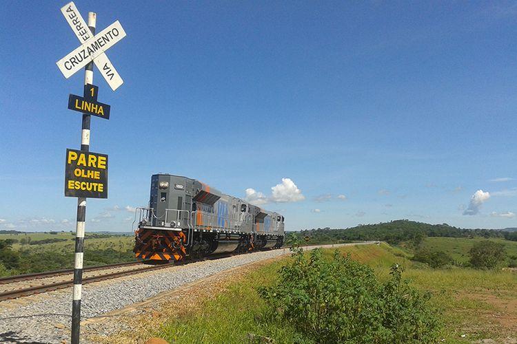 Transporte - trens - ferrovia Norte-Sul