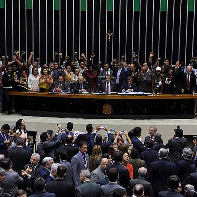 Votação da PL 6738/2013 - do Poder Executivo - que