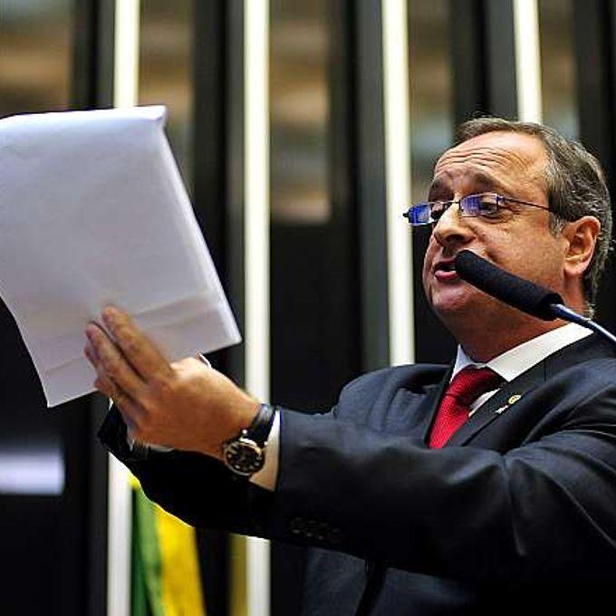 Votação do PL 8035/2010, que aprova o Plano Nacional de Educação para o decênio 2011-2020. Dep. Vieira da Cunha (PDT-RS)